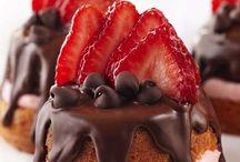 Yummies! / I looove me some cake