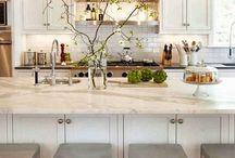 Kitchens / by Heidi Crotty