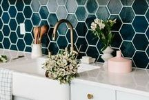 Home Decor & Style / Decor inspiration with gorgeous florals.