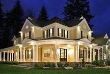 Home exteriors / by Leslie Acevedo