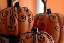 Stuff for Halloween... SPOOOOOKY! / by Deanna Viele