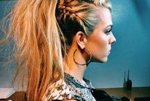 Hair, Makeup & Nails• / All ideas for hair, makeup and nails! / by Kacie Sandidgeシ