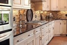 FAVORITE KITCHENS & DECOR / by Candi Warner