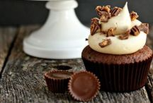 cupcakes / by Andrea Riebel