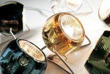 Fabbian / Fabbian, c'est 46 ans de recherche et de conception pour la création de luminaires design. Fabbian, c'est une identité à travers des suspensions tendance et des lampes design. Le style Fabbian est élégant et innovant. Il s'adapte à différents types de décoration intérieure.