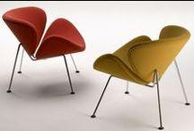 Artifort / C'est en 1890 que Jules Wagemans fonde la société en s'installant à Maastricht en tant que tapissier et garnisseur. Le fils de celui-ci transforme l'entreprise famliale en fabrique de meubles. C'est en 1928, après que l'entreprise soit arrivée à une belle réputation, que celle-ci change de nom pour s'appeler Artifort.