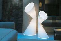 Kundalini / Kundalini est née d'une inspiration en 1996. Kundalini propose une gamme de luminaires design aussi bien suspension, applique, lampadaire et autres.  La philosophie de la marque est une nouvelle typologie des lampes, des formes extrêmement innovantes et d'une forte identité. Kundalini est toujours orientée vers la recherche des solutions originales et très créatives, en s'inspirant de l'univers qui l'entoure.