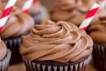 CAKE / CUPCAKE RECIPES / Tutorials and recipes to make your cakes, cupcakes, and cookies pretty as a picture!