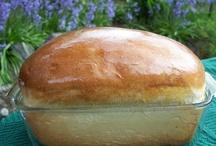 breads / by Clara Sledd