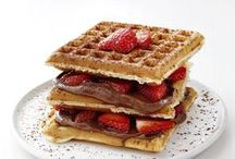 Get in mah belly [[breakfast]] / breakfast foods & recipes to try / by Dorothy Tso