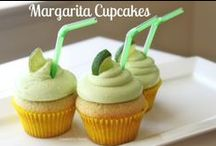Get in mah belly [[sweet cupcakes]] / recipes for sweet cupcakes / by Dorothy Tso
