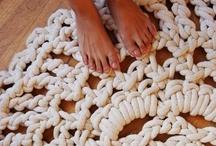 Crocheting ! / by Rebeca Maltos