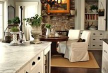 Kitchens / by Lexie Stokes