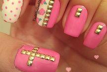 Pretty Pretty Nails / by Kristina Winship