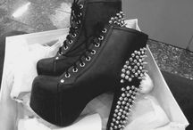 Shoe Addict / by Kristina Winship