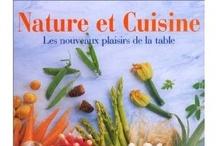 Cuisine de Mémé Moniq - nos livres - cook books - our books / Les livres de cuisine que nous possédons à la maison, que nous empruntons en bibliothèque, que l'on nous prête…  Vous pouvez retrouver le cours de cuisine par des enfants pour des enfants dans Cuisine de mémé moniq http://oe-dans-leau.fr/cuisine-meme-moniq/