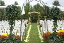 Weddings / All flower pieces created by our wedding designers for various weddings throughout the Niagara Region.
