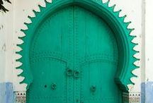 Magical Doors / Beautiful and colorful doors from around the world