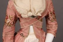 Vintage & Period Clothes / by Ximena Iglesias