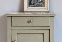 Annie Sloan - Château Grey / An elegant greyed green, this is the colour found in French woodwork.