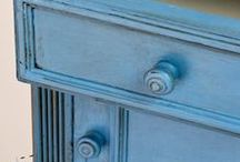 Annie Sloan - Greek Blue / This is a warm blue without any green in it. It is a colour found throughout the Mediterranean, often faded and distressed on shutters and woodwork. It has a chalky look about it yet it is a strong positive colour.