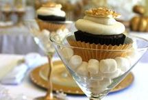 Cupcakes and Cakepops / by Black Bride