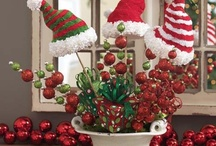 Christmas Crafts and Decorations / Great DIY ideas to make decorations for your Cookie Exchange party.