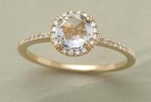 Rings, bracelets & necklaces / by Lyra Kelsey