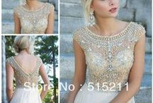 Dresses / by Courtney Leuzinger