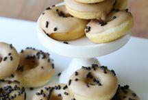 Food-Doughnuts / Love my doughnut pan! / by Jennifer Cook