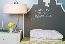 Chalkboard bedrooms / Creative use of blackboard paint and chalk in bedrooms