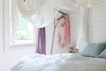 Canopy beds / All the canopies, drapes and bed posts we love ...