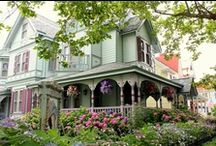 Victorian Style Homes / by Live Like Everyday Is A Party