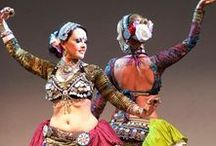 danse du belly / life is a dance!  belly dance, tribal, tribal fusion, vaudeville, performance, love.  costuming, tips, and more.