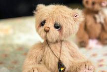 Pipkins Bears - handmade artist bears / a collection of Pipkins Miniature hand made artist bears, created by UK artist - Jane Mogford.