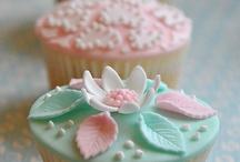 Cupcakes & Decorations / by Karen Balsz