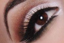Make-up / by Clara Flor