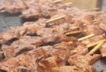A la Brasa y Parrilla / Variedad de platos peruanos cocinados a la brasa y a la parrilla.