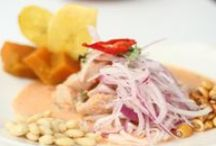 Con ají, limón y sal / Variedad de platos marinos peruanos. #ceviche #comida