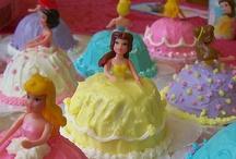 Birthday Parties / by Alyssa Miketta