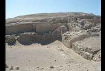 En pleno desierto, Cahuachi / A 20 minutos de la ciudad de Nazca se encuentra el centro religioso más importante de esta región, construida hace 450 a.C. #Ica #Nazca #Peru