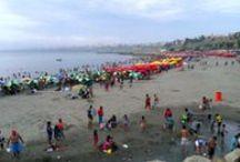 Sol, mar y arena / Agua Dulce es una de las playas más concurridas por los limeños en la temporada de verano y se ubica en el distrito de Chorrillos #playas #Lima