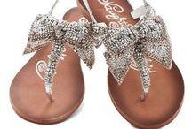 Tendencia en Calzados / Encuentra lo mejor en calzados, luce espectacular con estos diseños increíbles. #zapatos #calzado