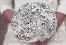 Silver Wedding Theme / Silver ideas and themes for wedding venue decorations, bridal accessories and stationery