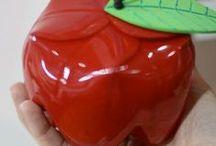{Reutilização de garrafa pet} / A garrafa PET é um material descartável que pode ser utilizado para diversos tipos de artesanato. Inspire-se com as ideias coletadas  :)