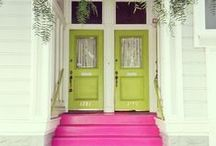 AVOCADO GREEN: HOUSE