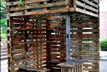 Caixotes, pallets e madeiras / Decoração, mobiliário e artesanatos feitos a partir de caixotes e pallets ou madeira reaproveitada. / by Vanessa Malta Gageiro