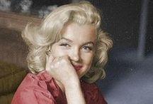M like M♡rilyn / But she was N♡RMA JEAN also. Marilyn avait un charisme intemporel, une grâce universelle et beaucoup de bonté (autant que de naïveté amoureuse). Les seules photos que je ne mets pas dans ce tableau sont celles où Marilyn exhibe une étole, un manteau de fourrure. Pourtant elle était très sensible envers les animaux mais à l'époque à Hollywood la fourrure était l'accessoire glamour et n'était pas symbole de cruauté. / by ♡ DADA de France ♡