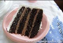 Cakes / by Tammy Cornwell