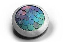 colour on metal jewellery / by Anita Havenga